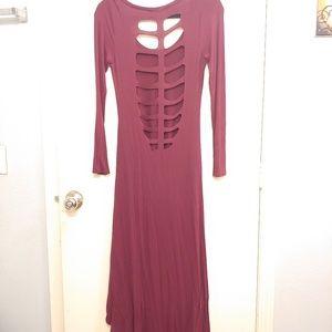 High low burgundy cut out dress 💕